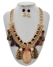 Lep & Gold Neck Set